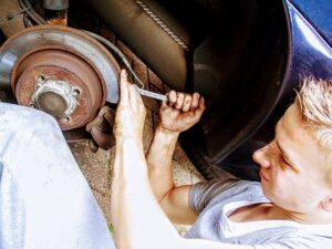 What Are The Symptoms of A bad Wheel Bearing